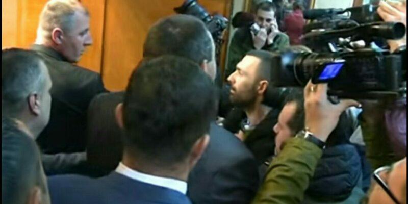 smcg-osudio-incident-u-kojem-je-napadnut-fotoreporter-boris-pejovic