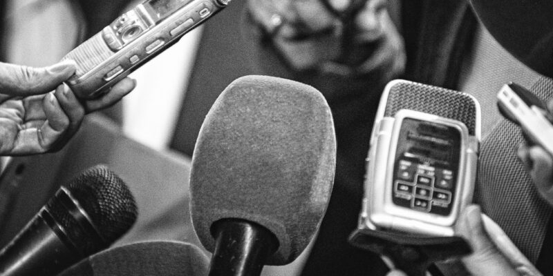 diplomirani-novinari-hoce-da-rade-u-prodavnicama,-ne-u-medijima